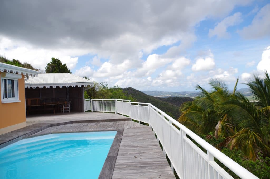 piscine de la villa en Martinique sur la commune du Diamant