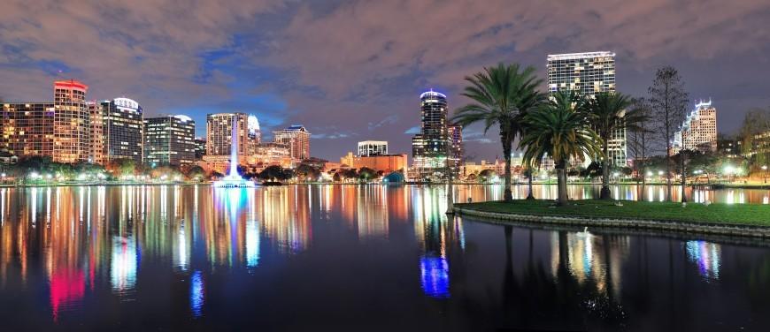 lac du centre ville d'Orlando, de nuit
